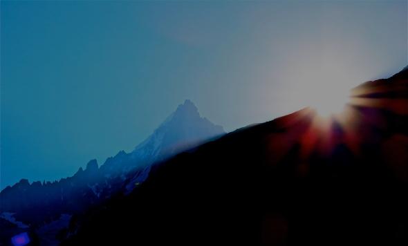 Här var äventyret runt hörnet - Utsikten från mitt fönster i Chamonix i somras
