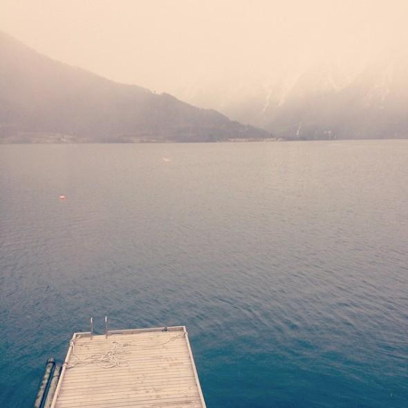 Sogndal beach - badbrygga rätt ut i Sognefjorden