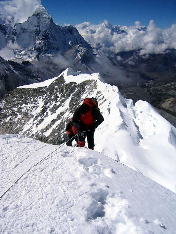 Island Peak (Bild: Wikipedia)